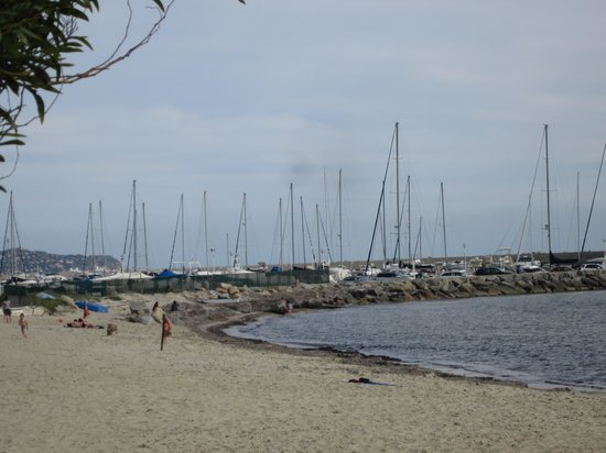 Hotel Sighientu Thalasso & Spa : La plage de l'hôtel