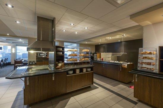 Hotel & Suites Normandin: Espace Petit-déjeuner