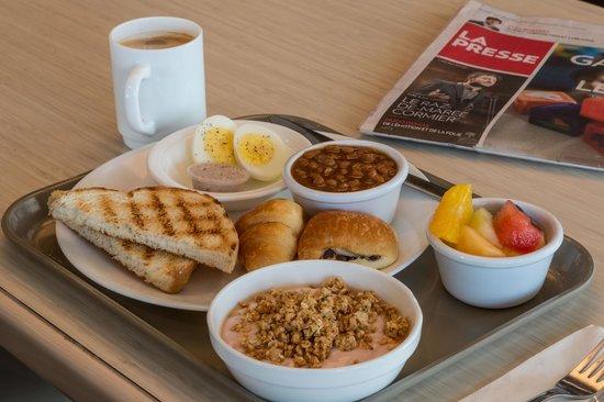 Hotel & Suites Normandin: Petit-déjeuner inclus