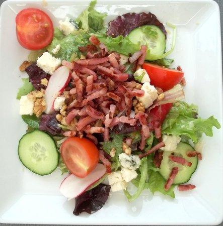 La Pacheline : salade rocquefort/Lardons/noix