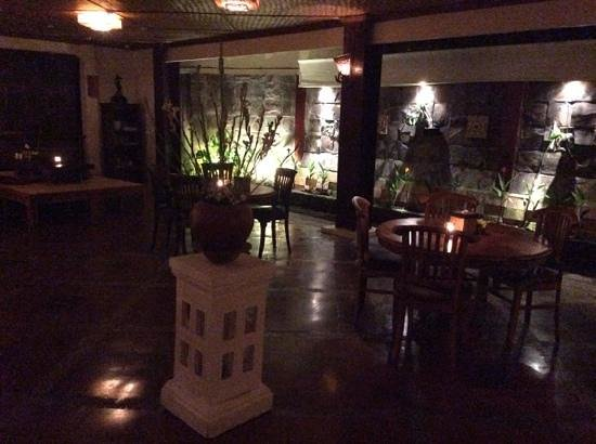 Junjungan Ubud Hotel and Spa: serene place for a quite meal in