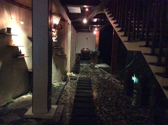 Junjungan Ubud Hotel and Spa: dining area n spa