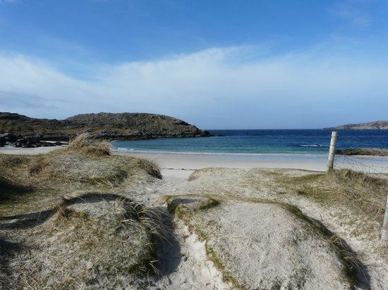 Achmelvich Beach: To the beach