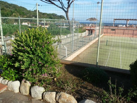 Hotel Del Golfo : campo da tennis