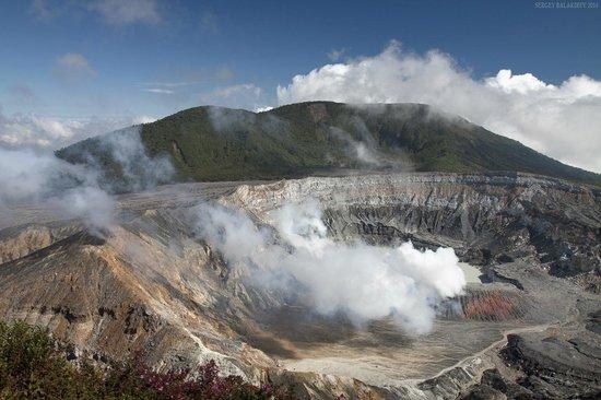 Poas Volcano: Один из кратеров вулкана Поас.