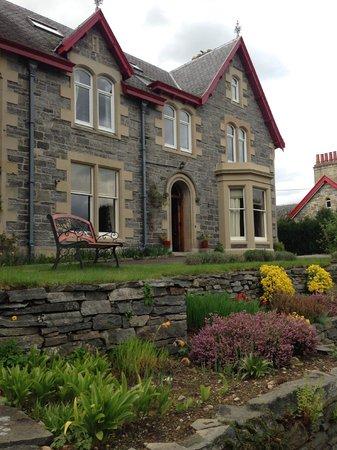 Rossmor Guest House: House