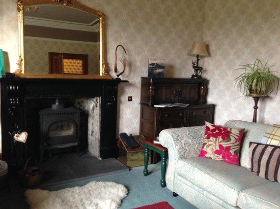 Rossmor Guest House: Sitting room