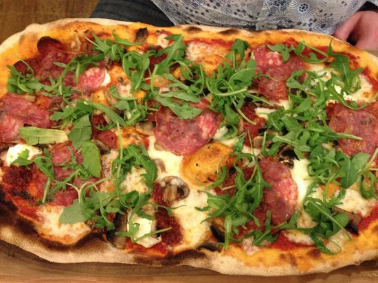 Zizzi - Hitchin: The picante stretched pizza ...  Yummie