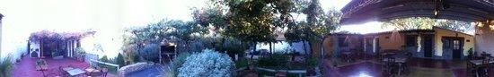 Rusty-k Hostal : Panoramica del patio