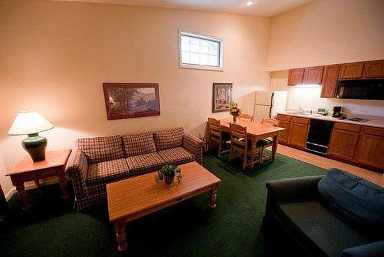 Hidden Valley Inn: Living Area