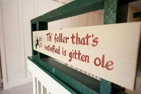 Hidden Valley Inn: Hand Painted Signs