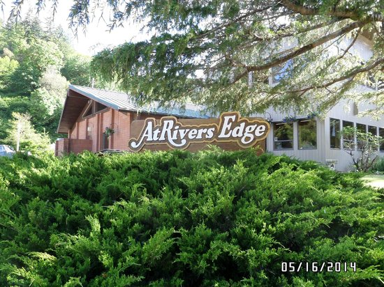 AtRivers Edge RV Resort: Park Office