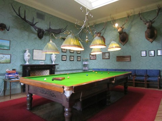 Inverlochy Castle Hotel: Billiard room