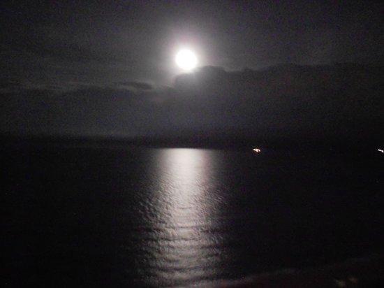 Grand Beach Hotel: Noite de Lua Cheia