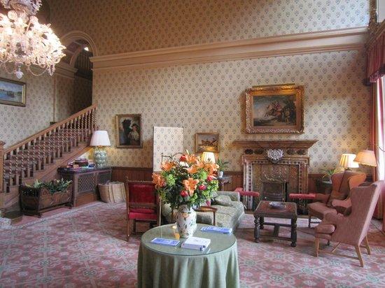 Inverlochy Castle Hotel: Hall