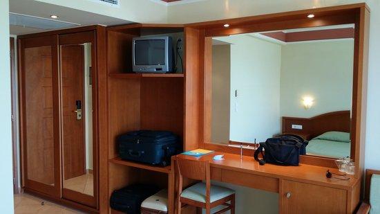 Hydramis Palace Beach Resort: habitacion