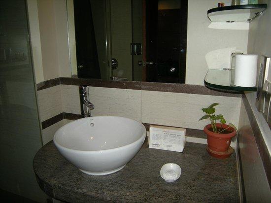 Sangam Hotel, Trichy: Bathroom