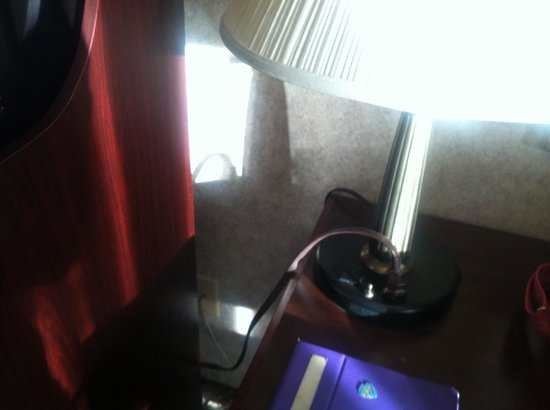 Plaza Hotel: Microwave plugged into desk lamp outlet