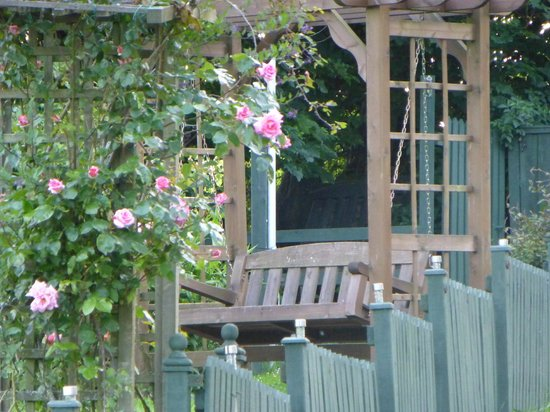 Coedllys Country House B&B: Cottage Garden
