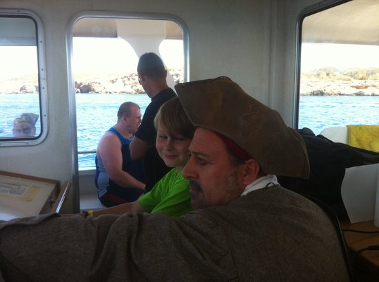 Sirenis Hotel Club Aura : Captain sideburns pirate ship