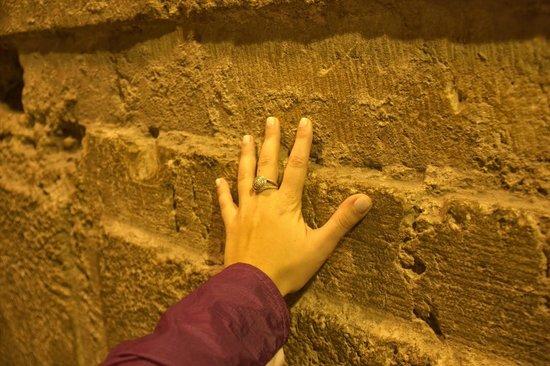 Muro de las Lamentaciones: Touching the Western Wall