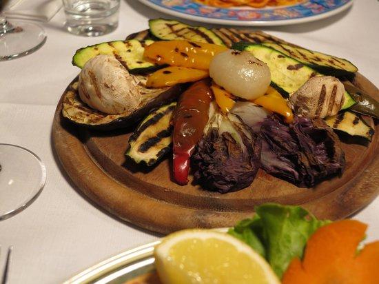 La Taverna di Via Stella: овощи на гриле