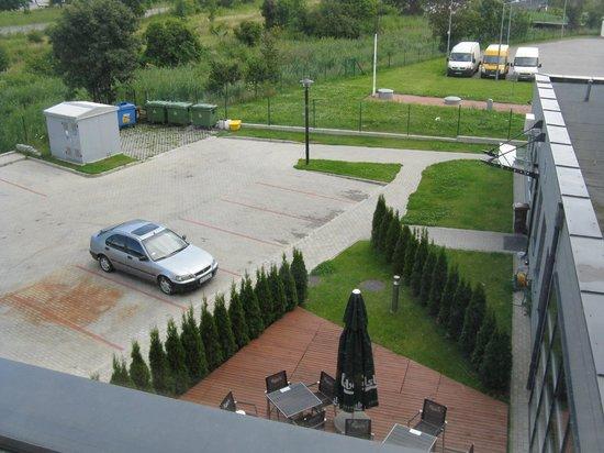 Hotel Focus Gdansk: вид из окна в сторону лесополосы