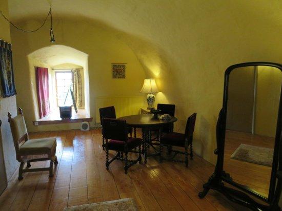Faside Estate B&B: Master Suite dining area
