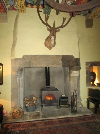 Faside Estate B&B: Wonderful huge  fireplace