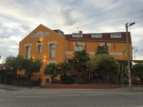 Hotel Alle Torri: From bus station