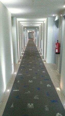 TRYP Lisboa Aeroporto Hotel : Couloir