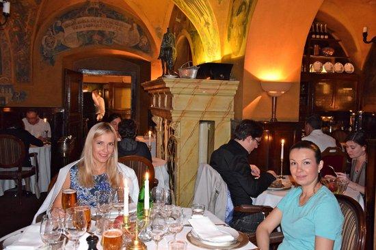 U Maliru 1543: В ресторане :)
