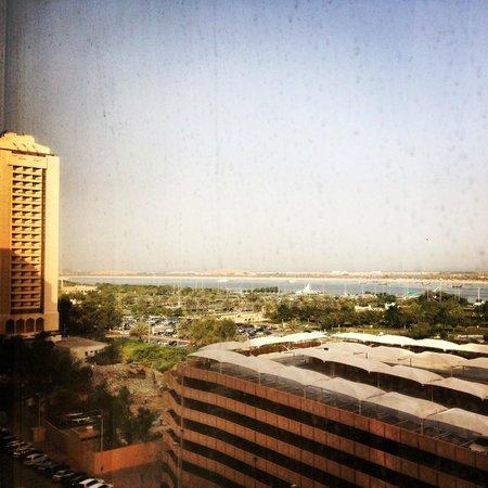 Corniche Hotel Abu Dhabi : Room view