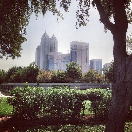 Corniche Hotel Abu Dhabi : Park view