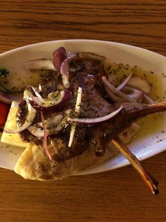 Yamas meze restaurant & weinbar: Lam kotteletjes