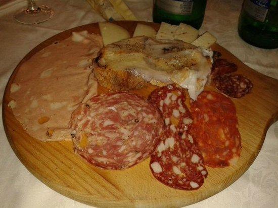 Antica Osteria Piccola Roma : entrantes embutidos y quesos