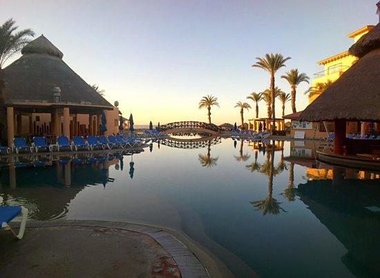 Royal Solaris Los Cabos: Pool was beautiful