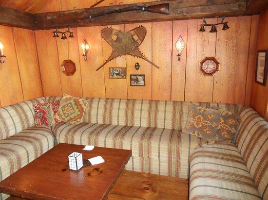 Manoir Hovey : Tap Room pub