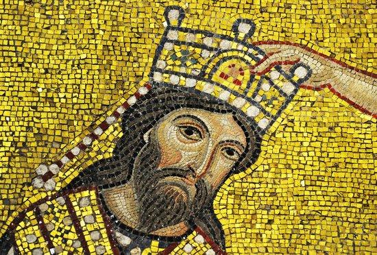 Santa Maria dell'Ammiraglio (La Martorana): King Roger II crowned; detail of Martorana mosaics