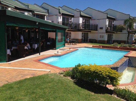 Chapman Hotel: pool
