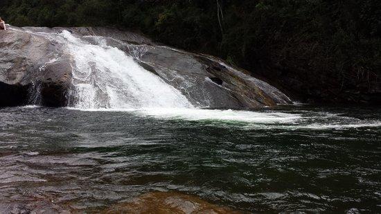 Pousada Chales do Lago: cachoeira do escorrega