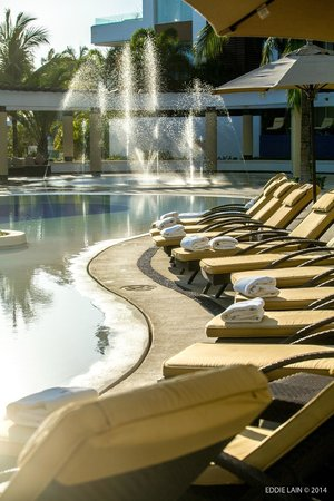 Marival Residences Luxury Resort Nuevo Vallarta: Comfy Lounge Chairs