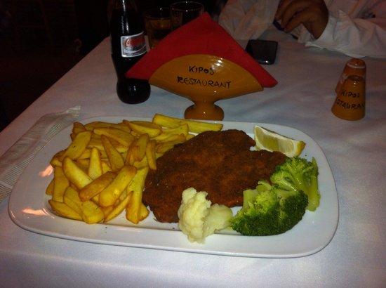 Kipos: Chicken fillet schnitzel.... Delicious Huge portion. Perfect service and great price. I will go