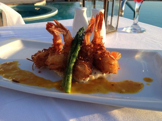 Casa Velas: Beach club coconut shrimp dinner