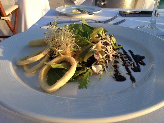Casa Velas: beach club calamari salad dinner
