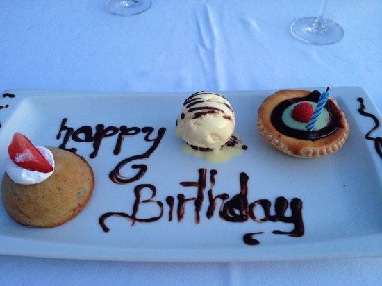 Casa Velas : beach club birthday dessert