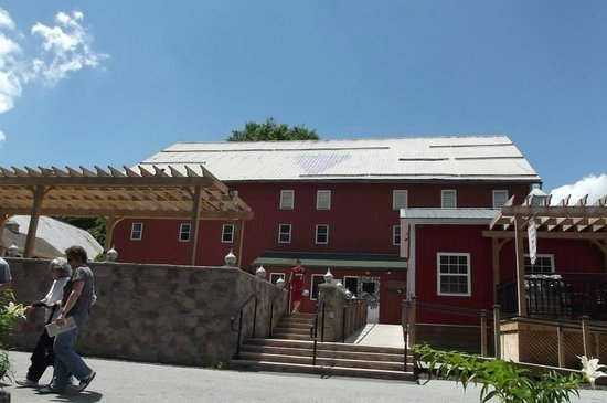 Adams County Winery: The winery, go in for a free tasting and tours (when offered).