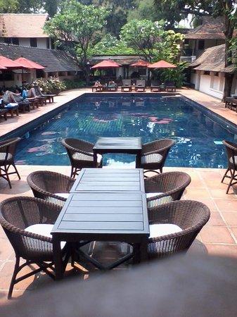 Tamarind Village: Poolside view