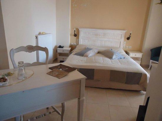 Porto Mani Suites: Υπνοδωμάτιο.