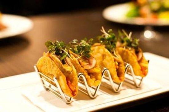 Boulevard Restaurant & Lounge : Delicious Ahi Tuna Tacos